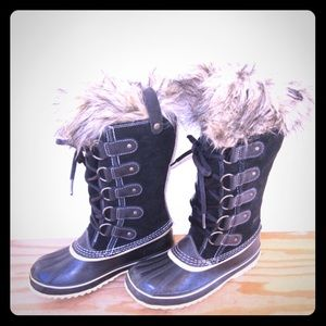 Sorel Joan of Arctic Sz 6 Winter Boots Black Suede